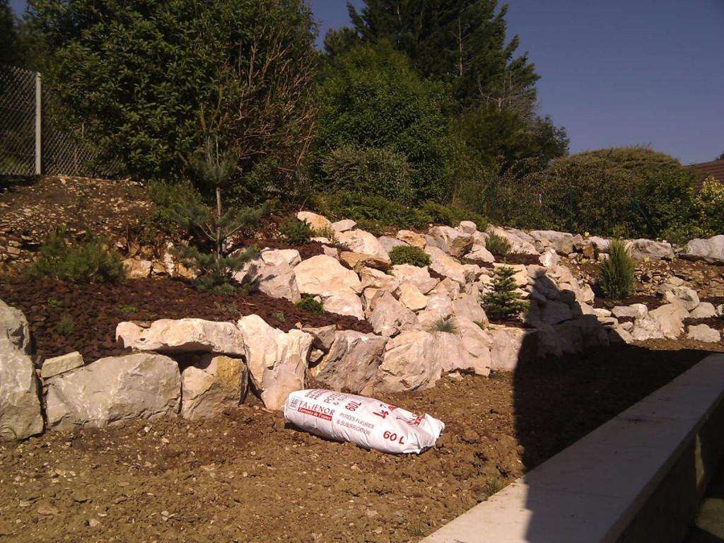 Enrochement, aménagement paysager et création d'espaces verts et jardins, C'DECO paysagiste