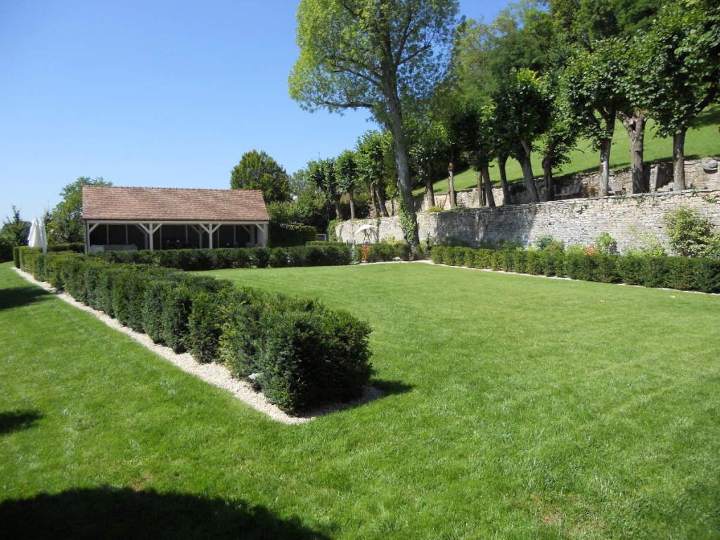 Entretien d'espaces verts en Côte d'Or, forfait annuel, à Dijon - C'DECO paysagiste