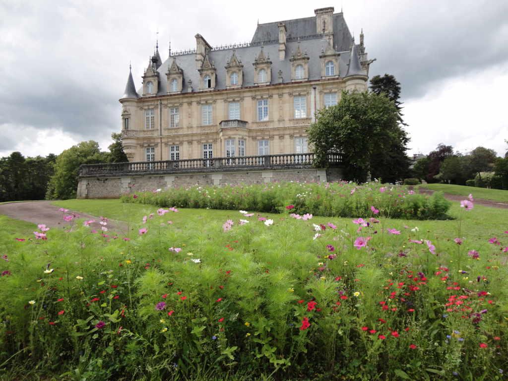 Lycée de Brochon, Plantations et entretien de jardin. Paysagiste Dijon, C'DECO paysagiste