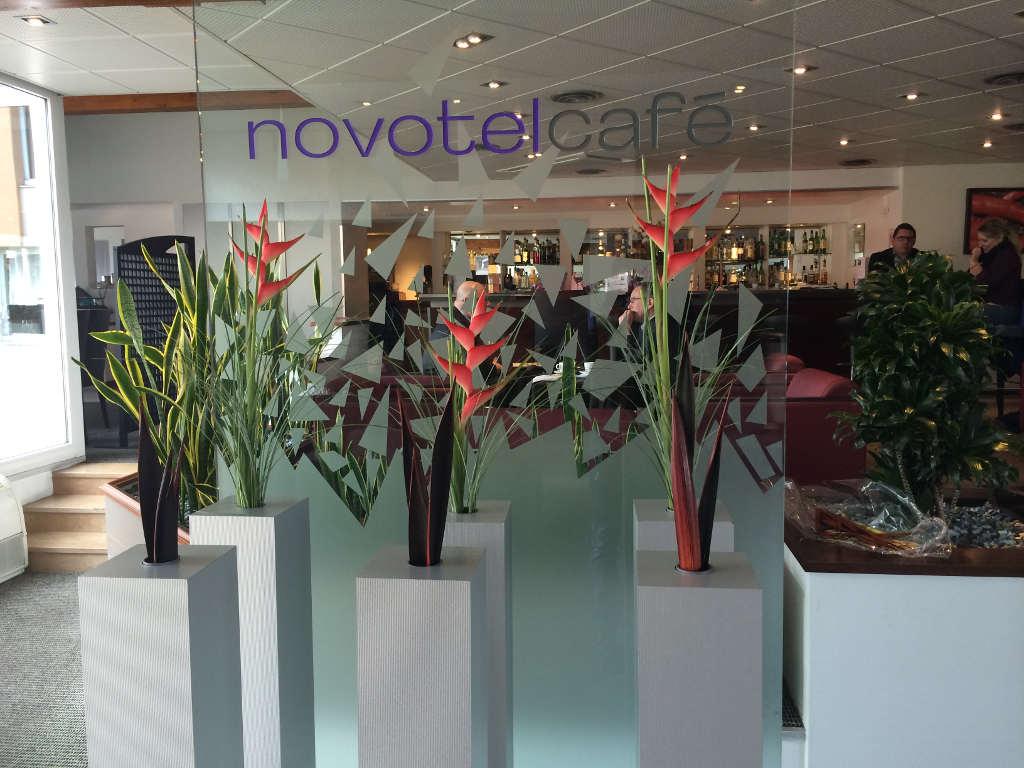 Novotel, décorations florales d'intérieur. Paysagiste Dijon, C'DECO paysagiste
