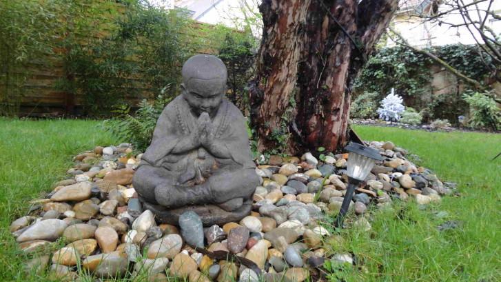 Idées et astuces déco : objets décoratifs ou d'art dans votre jardin. C'DECO paysagiste Dijon