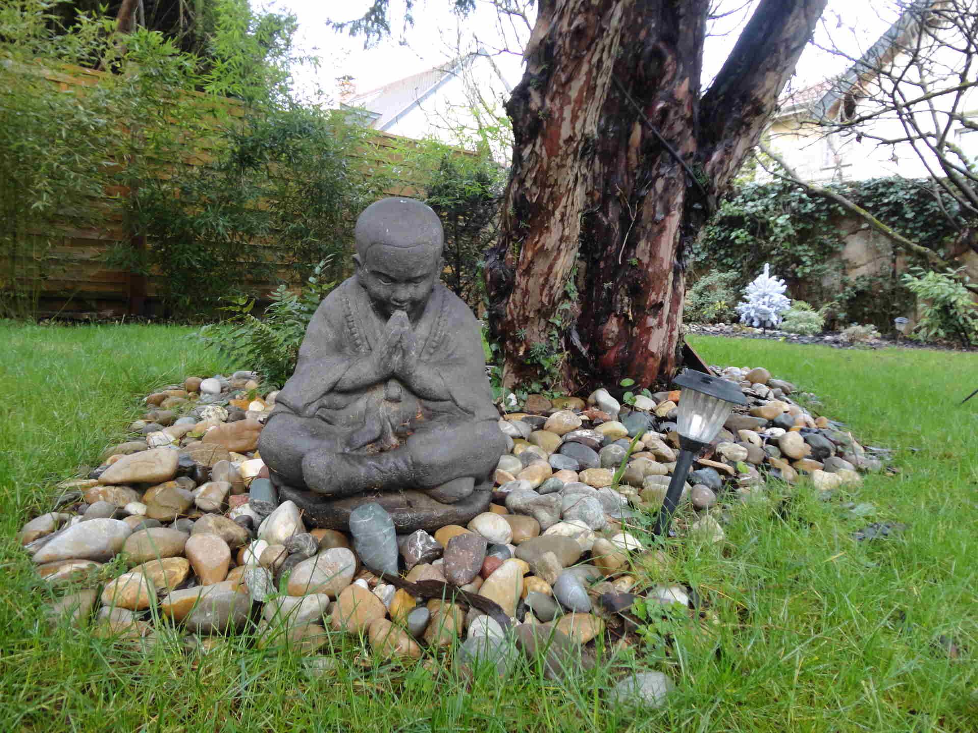 Des objets d coratifs ou d 39 art dans votre jardin c 39 d co for Objets decoratifs de jardin