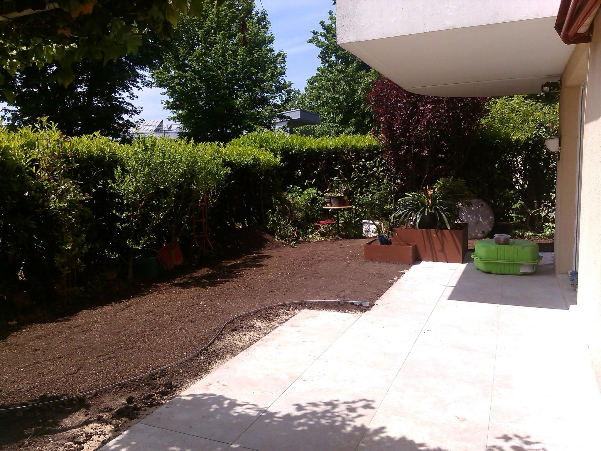 106 amenagement jardin dijon c 39 deco paysagiste dijon entretien espaces verts amnagement. Black Bedroom Furniture Sets. Home Design Ideas